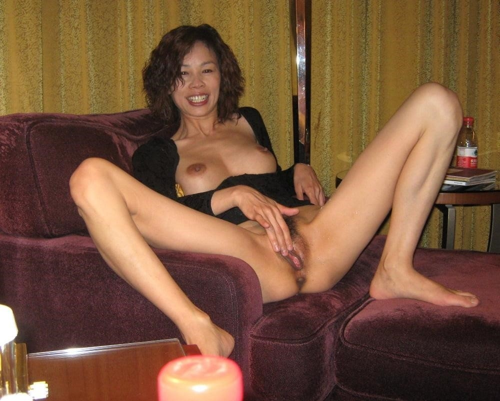 Naked asian girls outdoors-1015