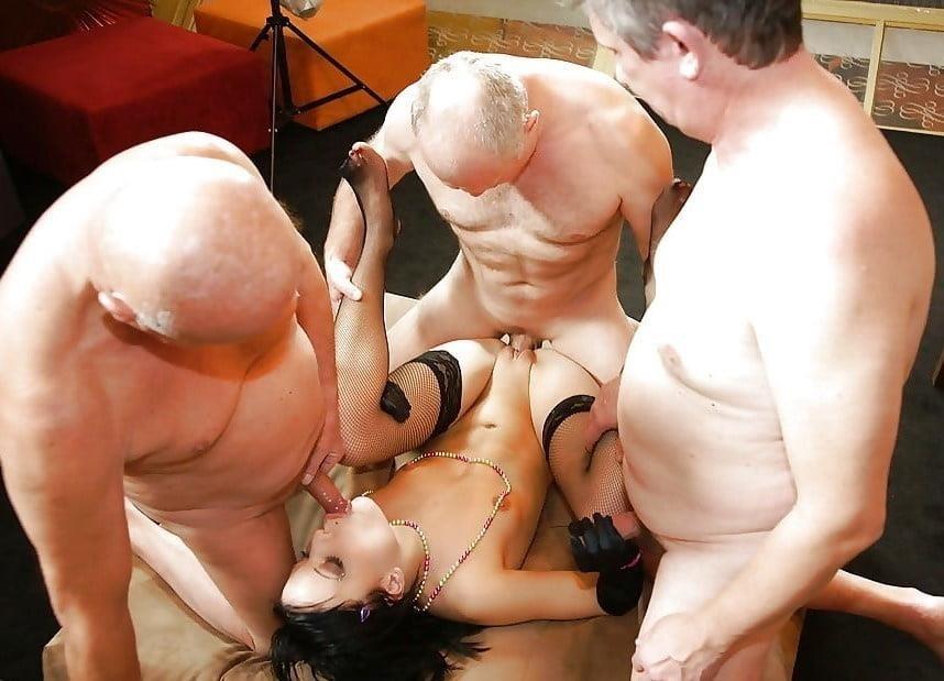 Bisexual men orgy-1875