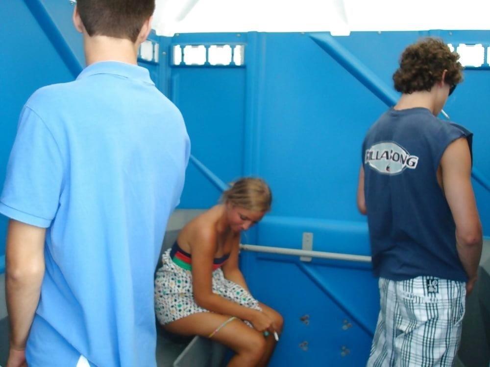 Men having sex in public toilets-9068