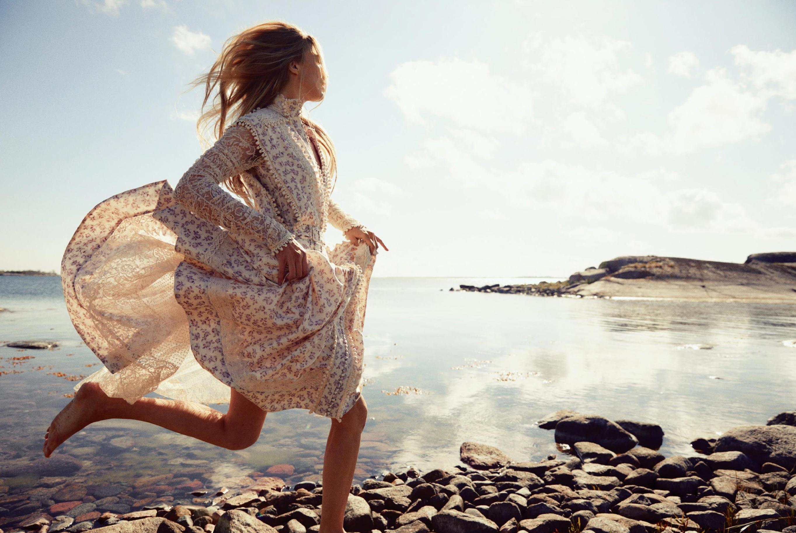 Бразильская модель в гостях у шведской - Эрика Линдер и Ракель Циммерман / фото 16
