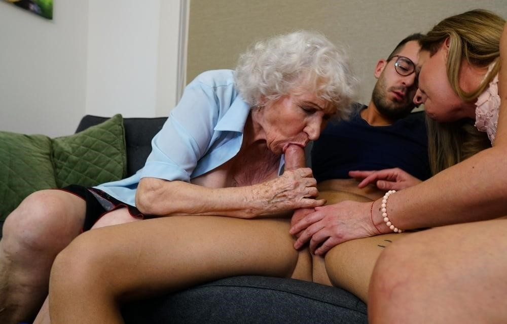 Russian mom and son hot sex-6689