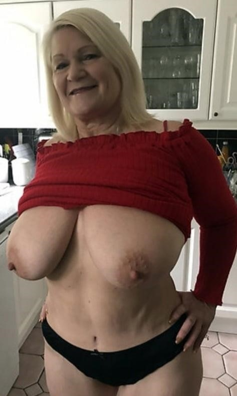 Moms mature naked-3600
