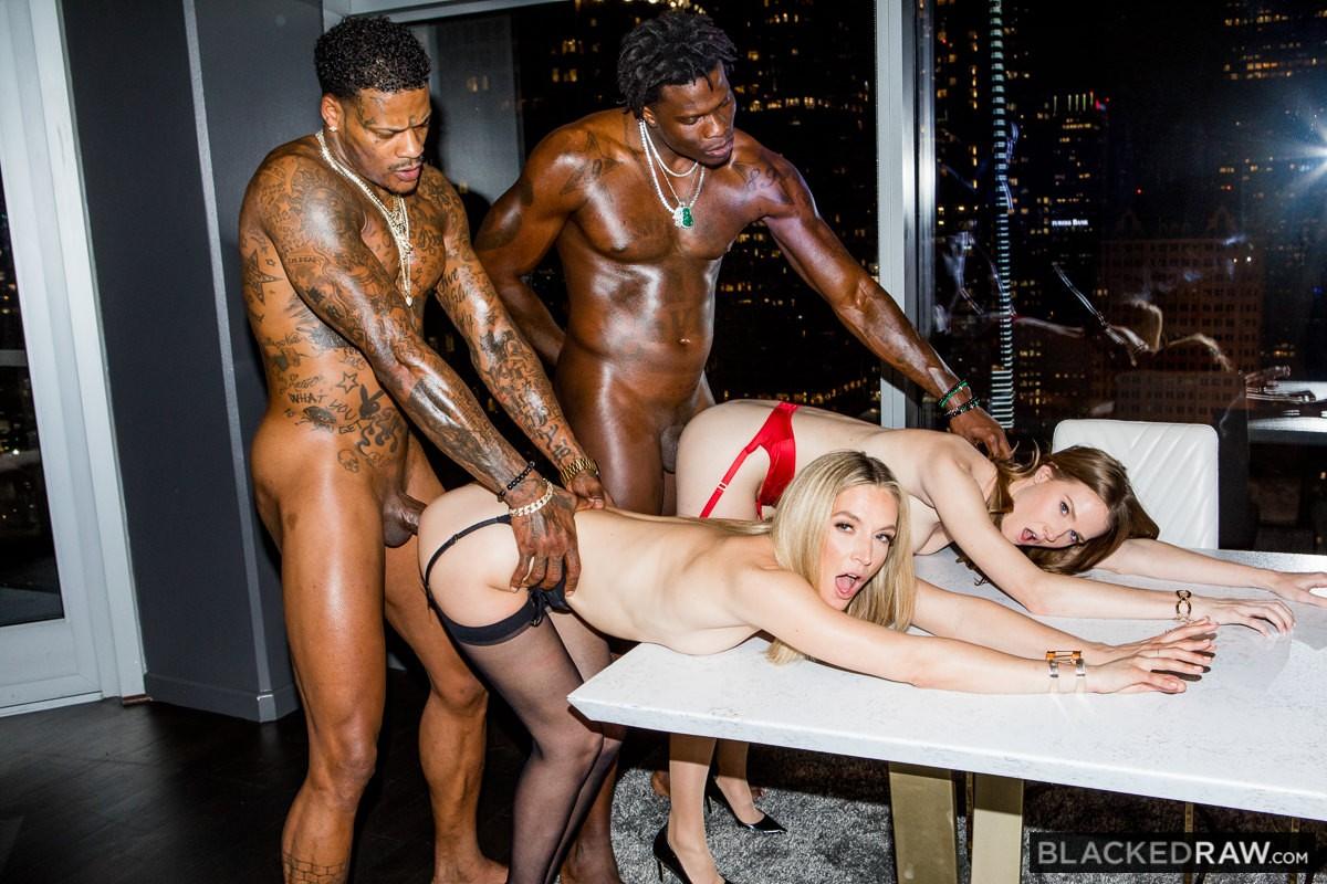 Ashley Lane, Mona Wales, Jason Luv, Louie Smalls – Girls Night – Blacked Raw [HD]
