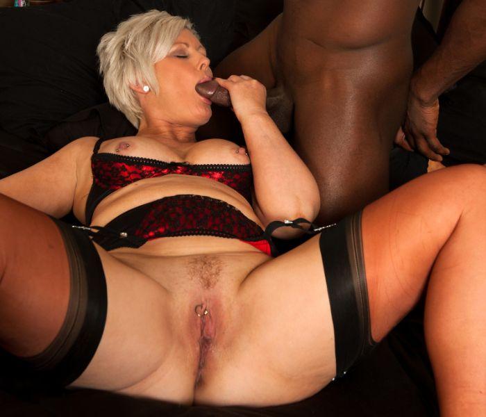 A las abuelas le gustan las pijas negras - 01