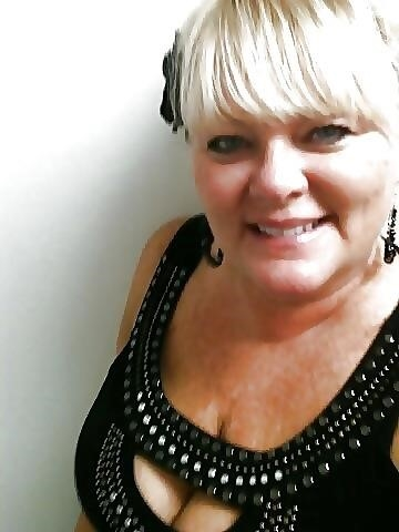 Nude granny big boobs-8666