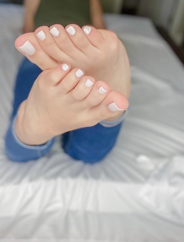 Brianna foot fetish-5263