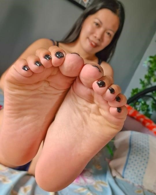Mom foot fetish-1586