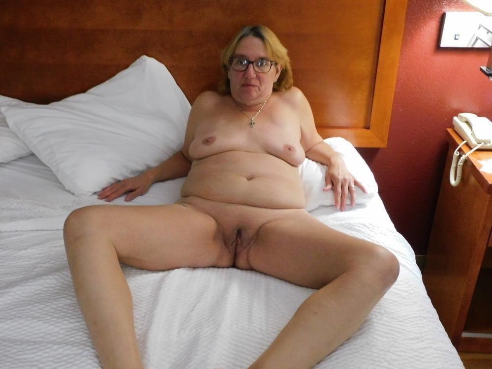 Mature naked threesome-8100