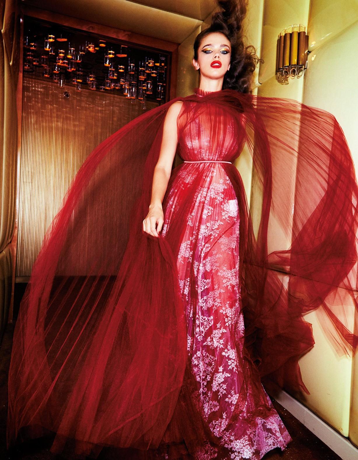 Женщина в красном - Джена Голдсак / Jena Goldsack by Ellen von Unwerth - Numero Tokyo october 2017