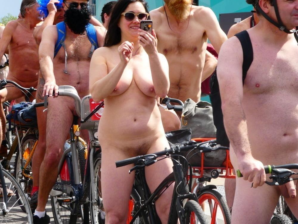 Fat girls nude in public-7950