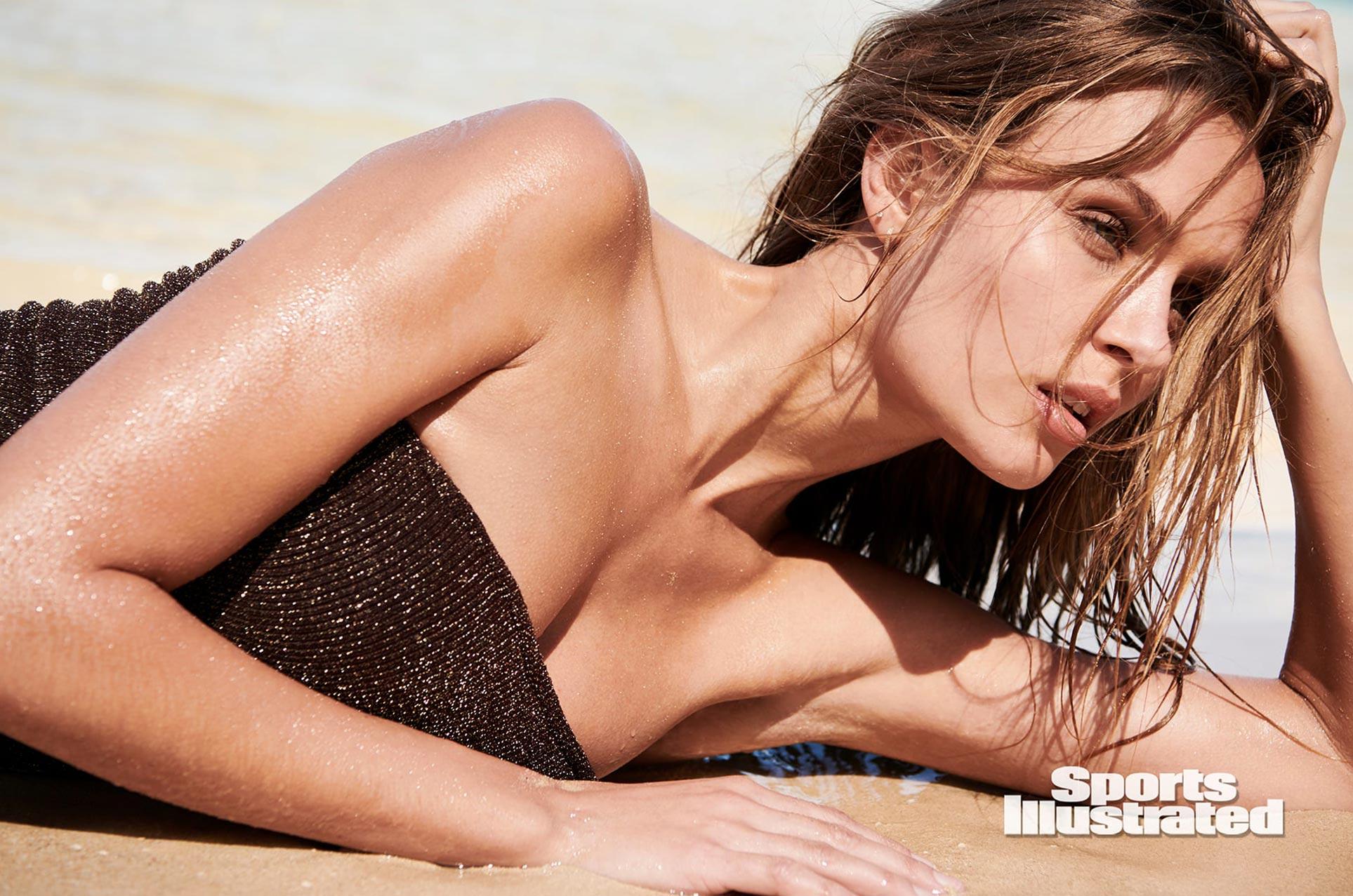 Жозефин Скривер в каталоге купальников Sports Illustrated Swimsuit 2020 / фото 19