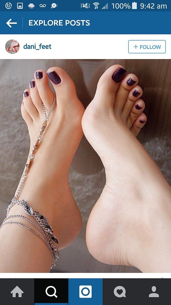 Sexy feet woman-1357
