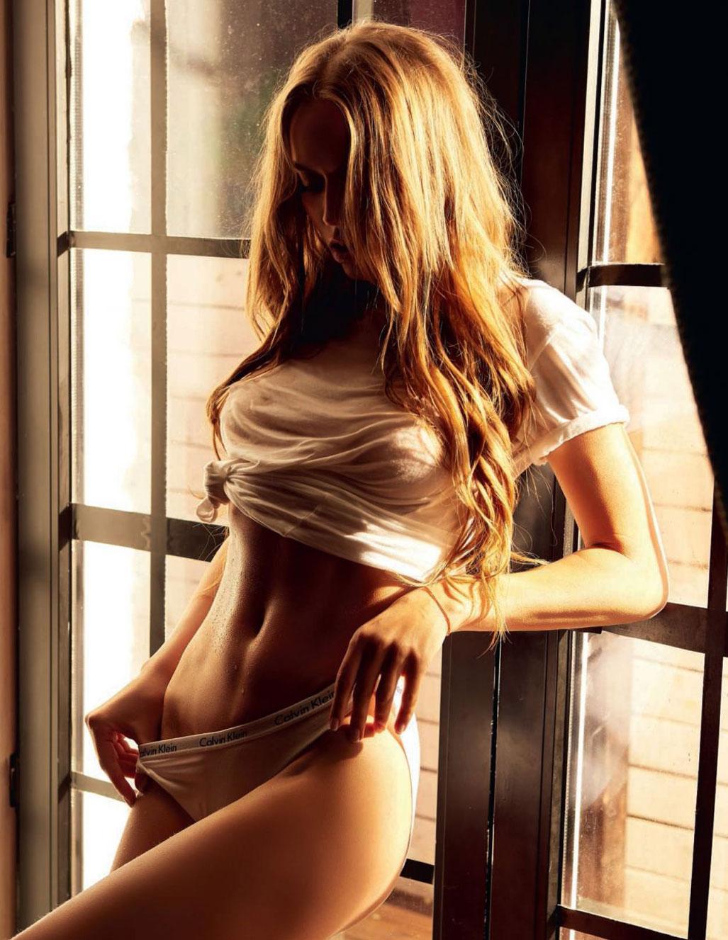голая Адель Вакула - Девушка года Playboy Украина / фото 06