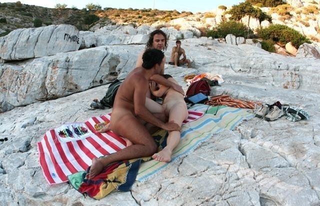 Amateur public threesome-3093