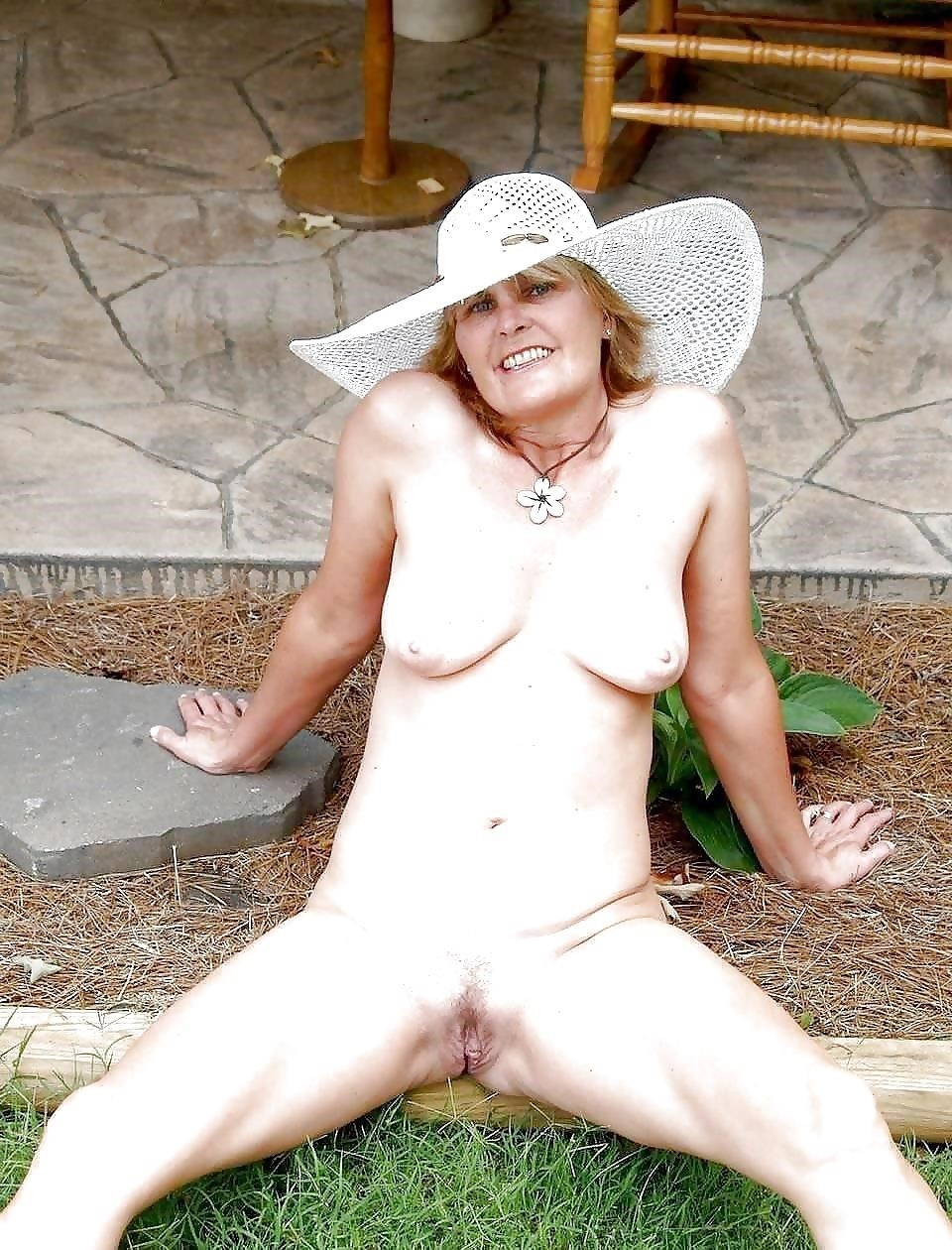 Natural tits on the beach-7015
