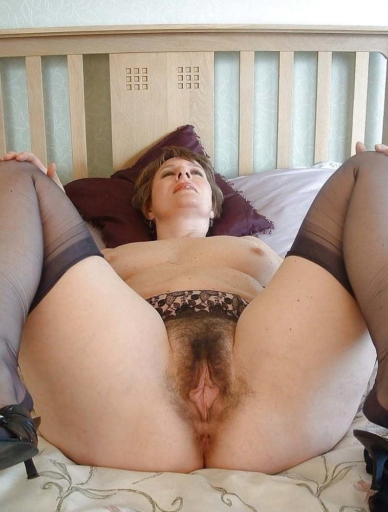 Amateur granny stockings pics-3913