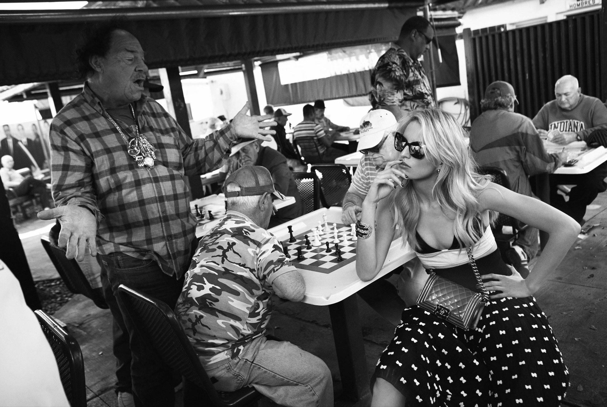Karolina Kurkova by Koray Birand / Vogue Mexico april 2014 - photo 01