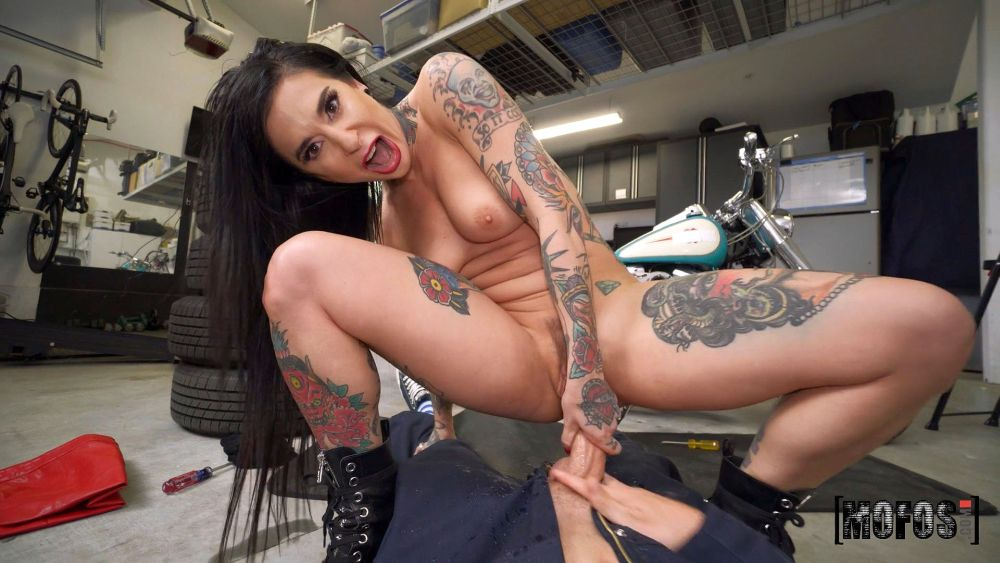 Joanna Angel, Van Wylde – Squirting Biker Babe Fucks The Mechanic – I Know That Girl – Mofos