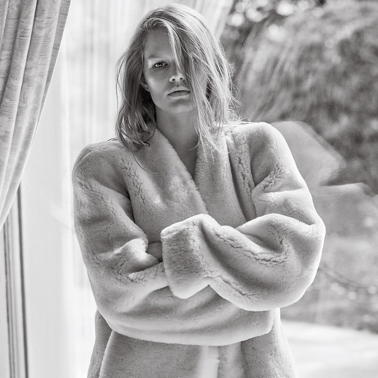 Anna Ewers by Mario Sorrenti - V Magazine winter 2017