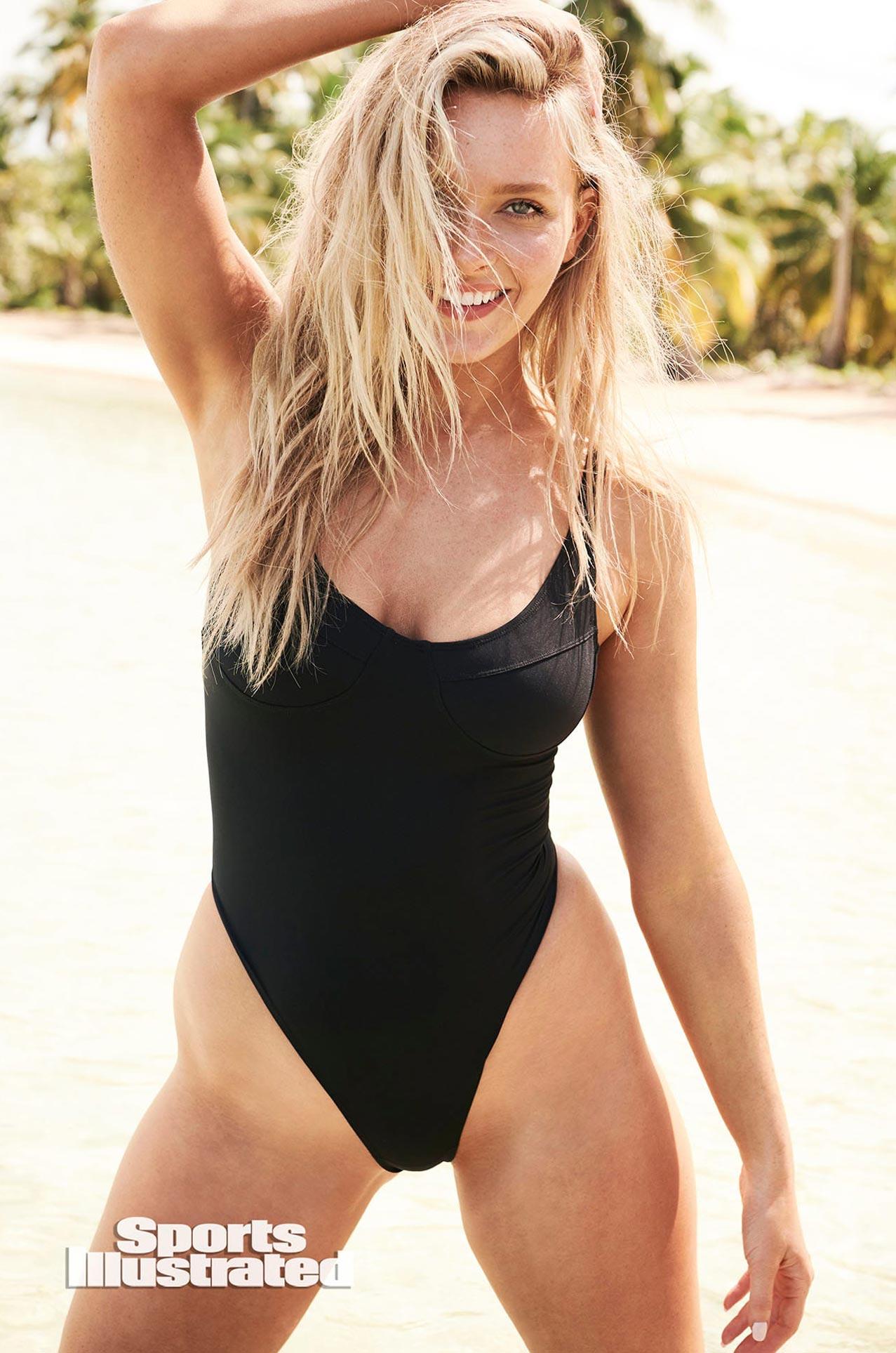 Камилла Костек в каталоге купальников Sports Illustrated Swimsuit 2020 / фото 09