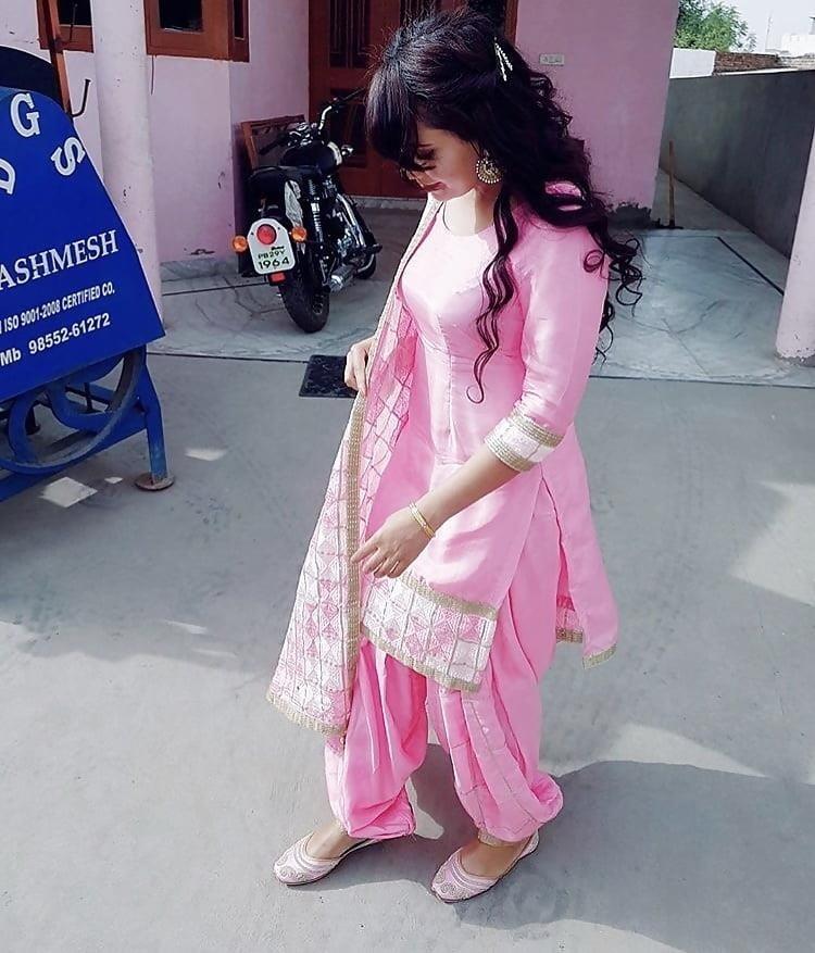 Sexy punjabi girls pic-6504