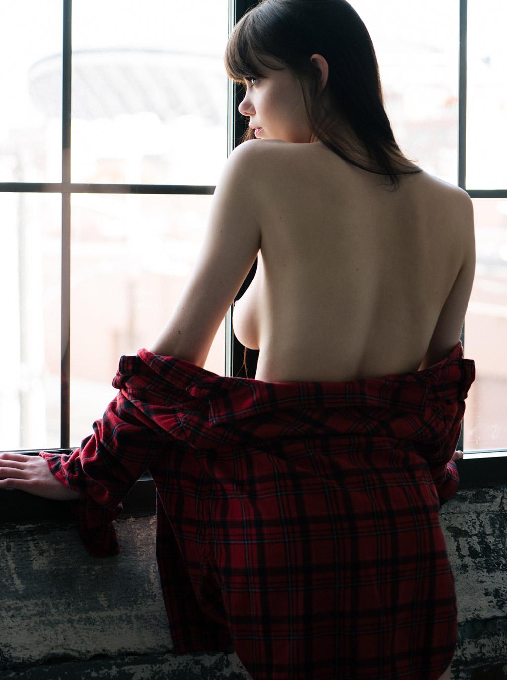 когда на улице дождь - Айленд Роуз / Ireland Rose nude by Mark Hanson - Lions Magazine