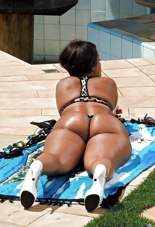 Perfect ebony booty-5002