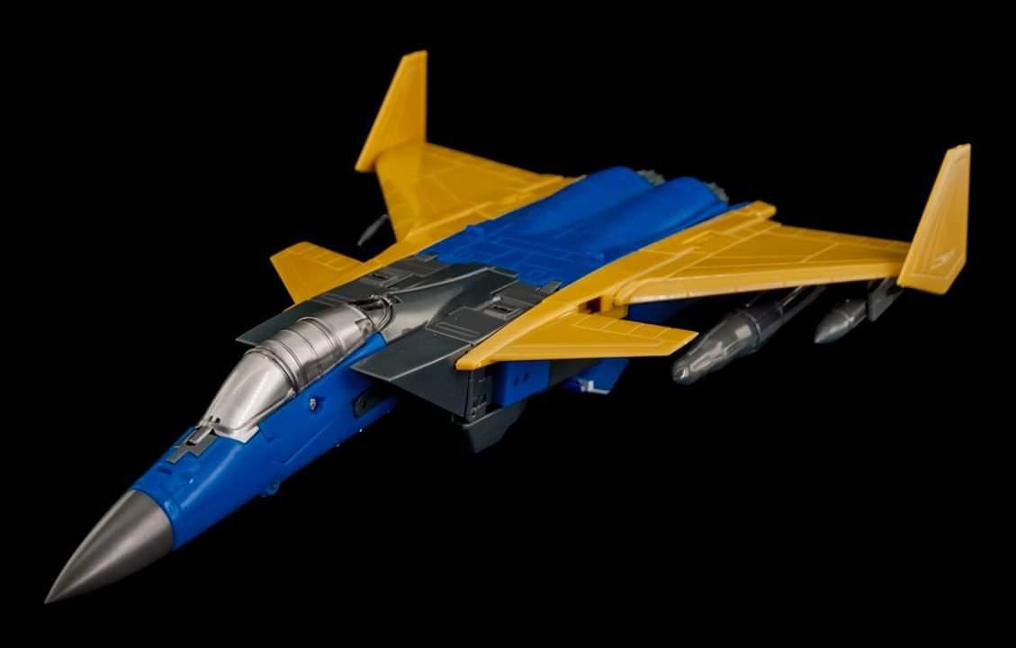 [Maketoys] Produit Tiers - Jouets MTRM-15 Endgame (aka Dirge/Funébro), MTRM-16 Jetstream (aka Thrust/Fatalo) & MTRM-17 Booster (aka Ramjet/Statoréacto) II2eHDkc_o