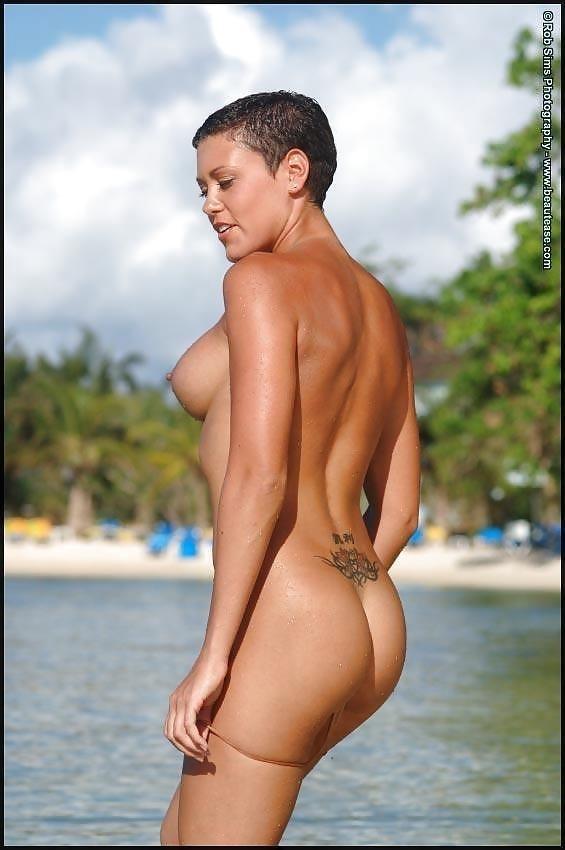 Beautiful fit naked women-5582