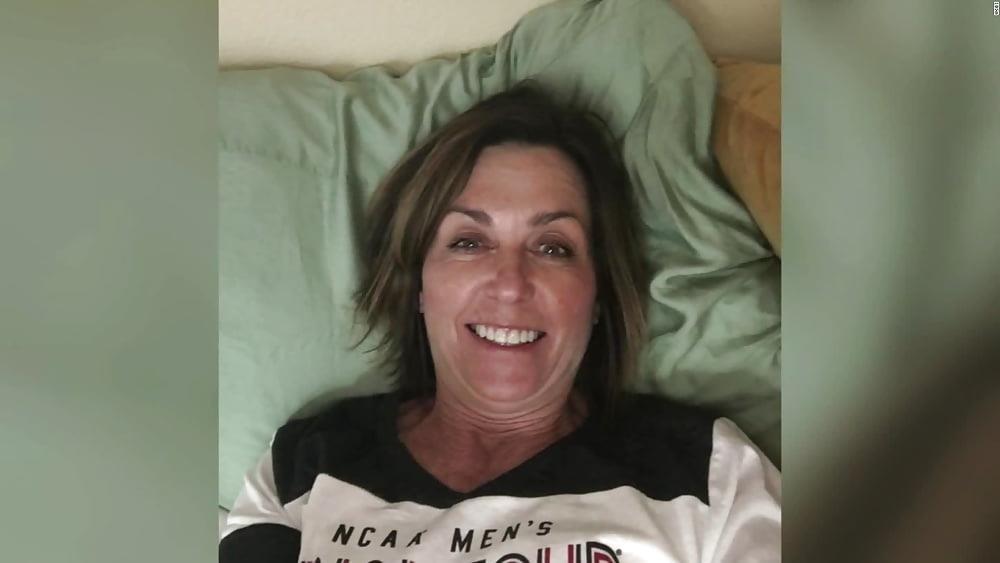 Hot mom in public-6376