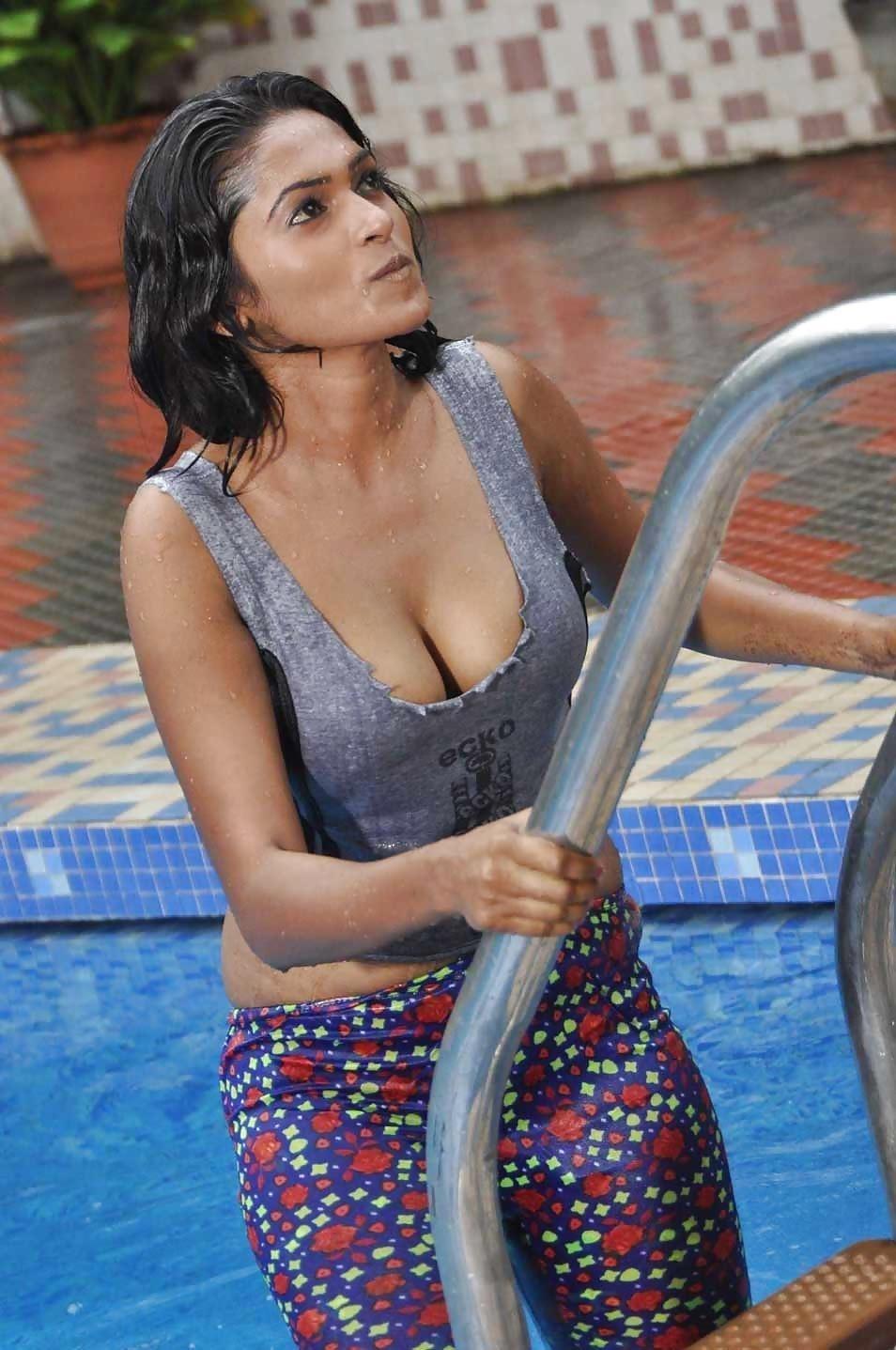Bollywood actress big boobs photos-6711