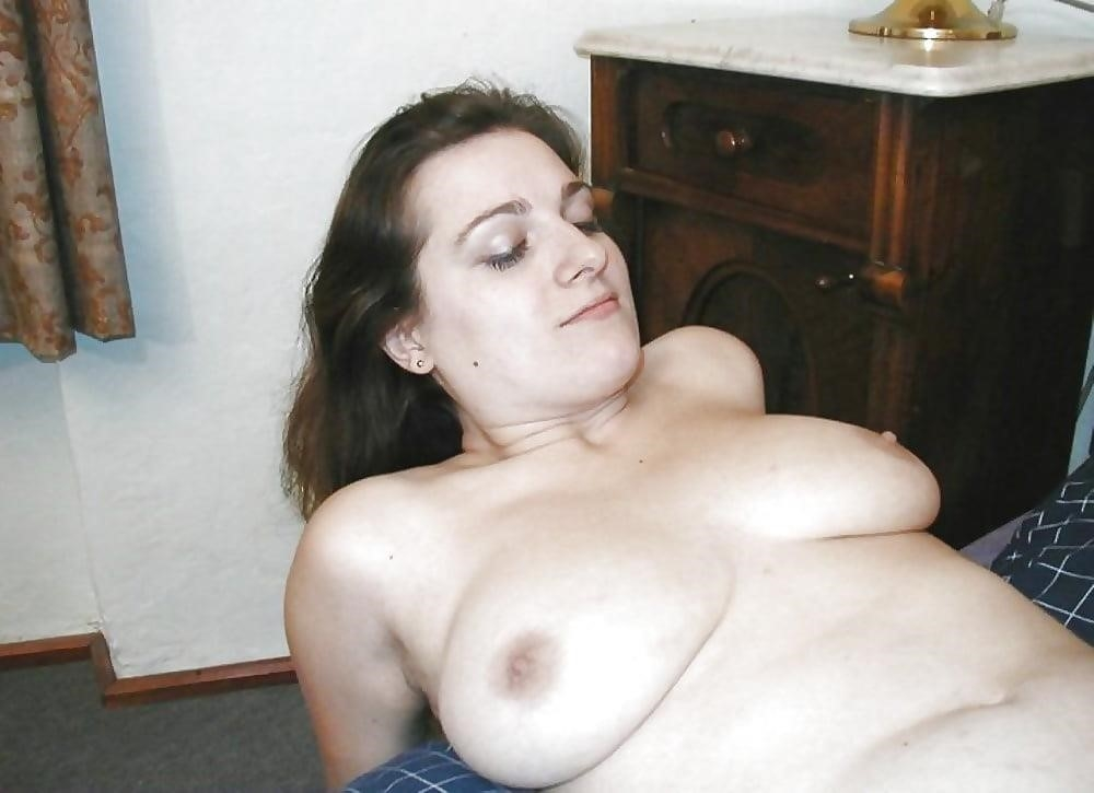 Naked wife exposed-2552