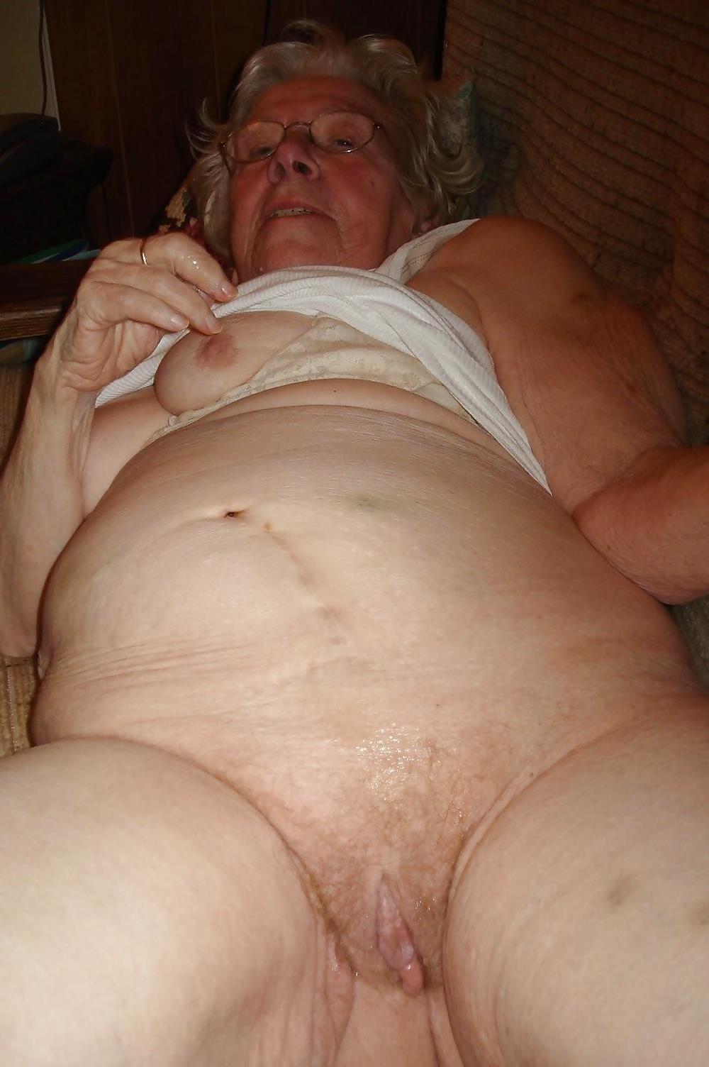 Chubby old granny porn-3215