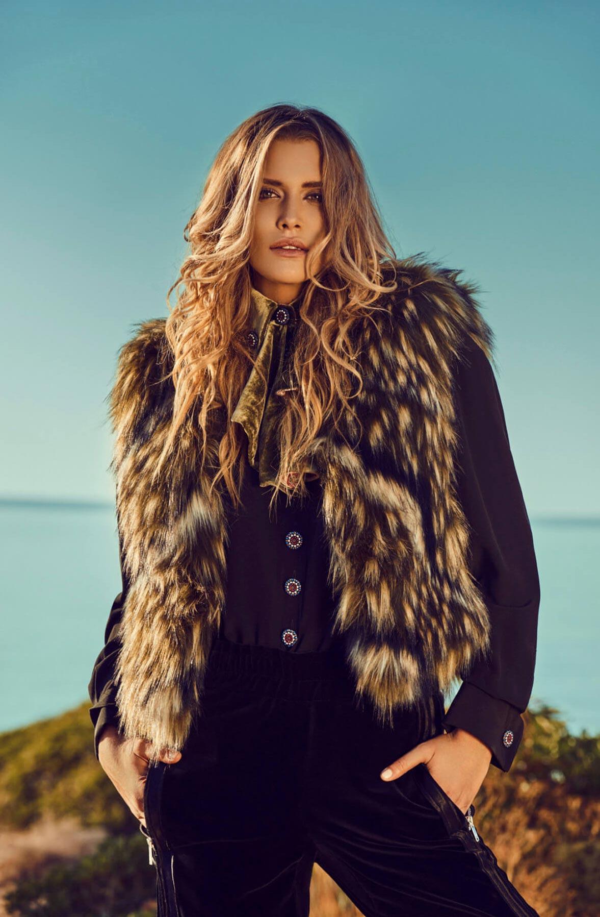 Cheyenne Tozzi by Stefan Imielski / Harper's Bazaar Bulgaria December 2017
