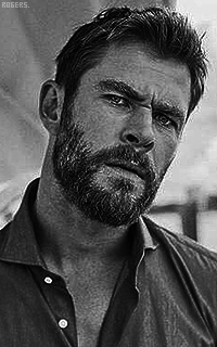Chris Hemsworth WZupCsYE_o