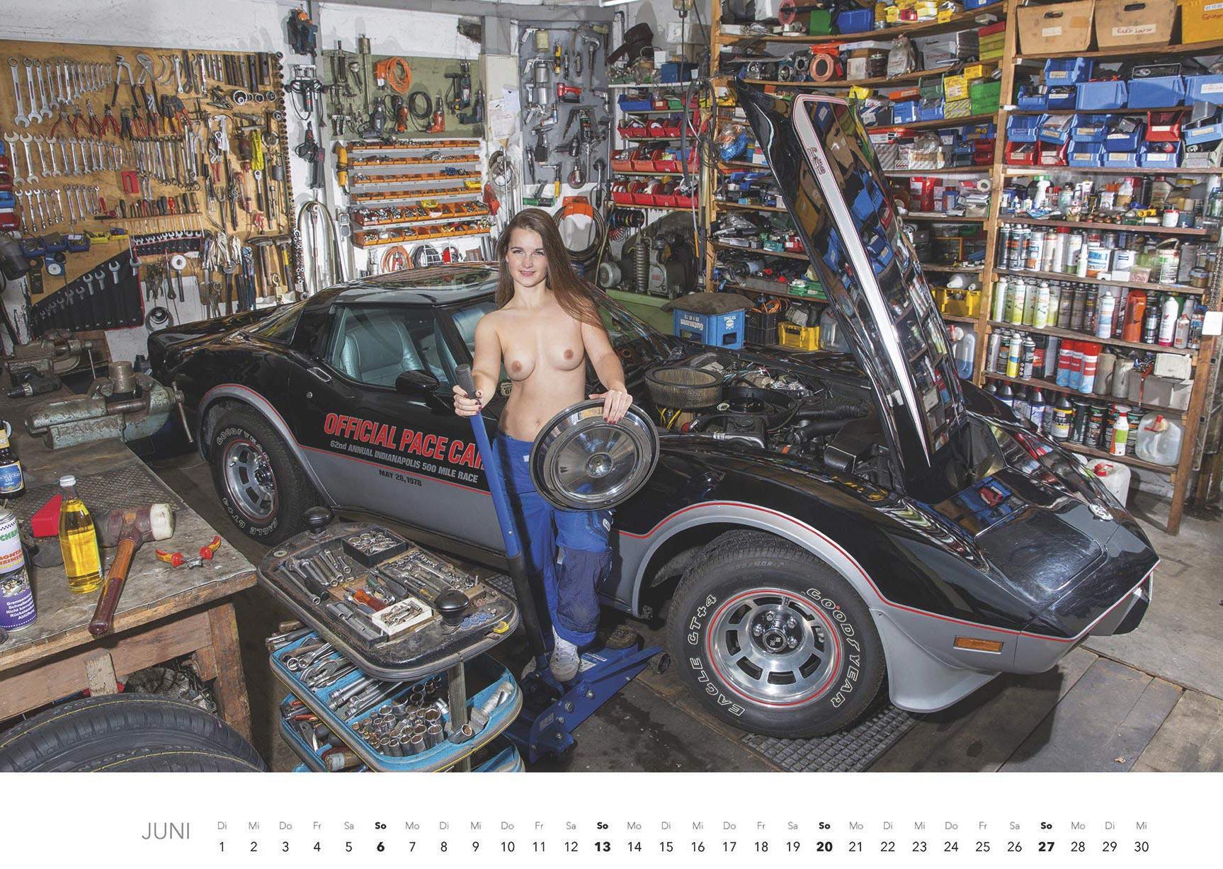 Эротический авто-календарь -Отвертка мечты 2021- / июнь