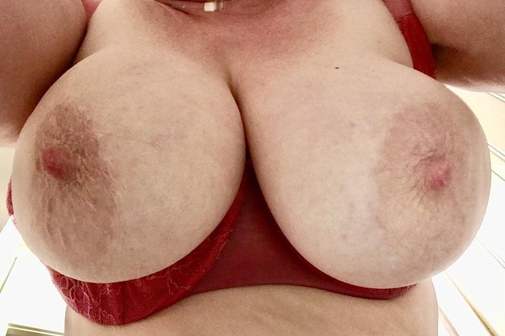 Lesbian big tit pic-7080