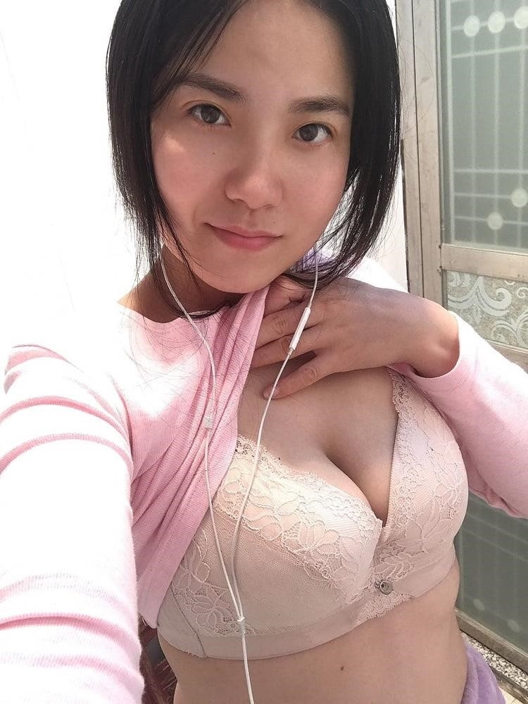 Horny housewife solo-3857