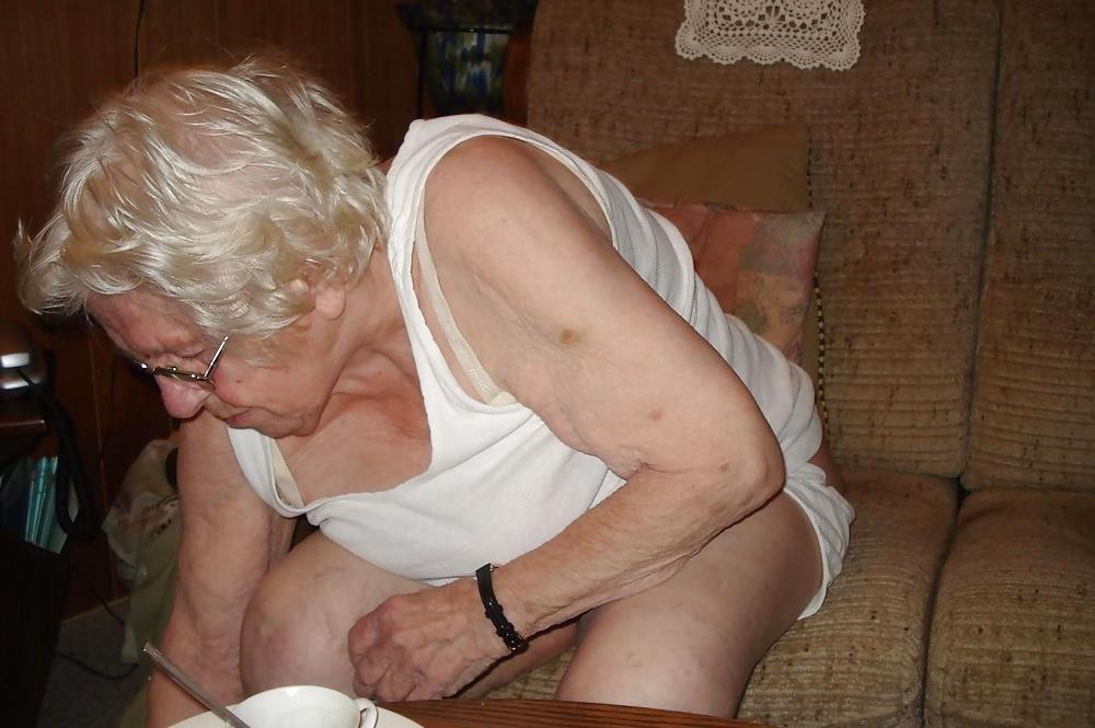 Chubby old granny porn-9535