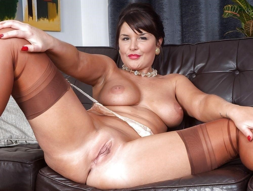 Free pics naked mature women-8754