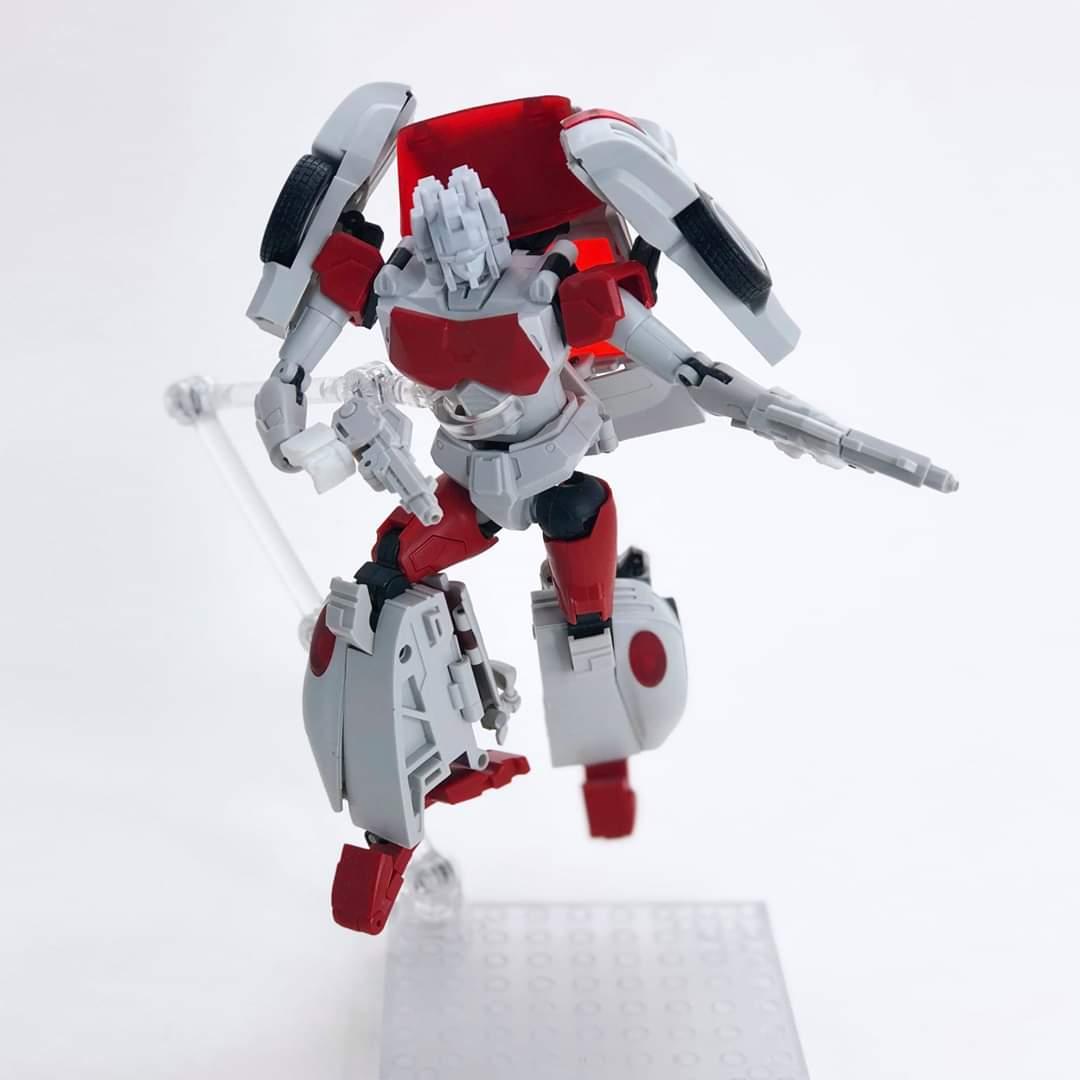 [FansHobby] Produit Tiers - MB-12 Athena (aka Minerva|Nightbeat/Veilleur) et MB-13 Ace Hitter (aka Goshooter|Siren/Sirène) [TF Masterforce] NUUEhfHR_o