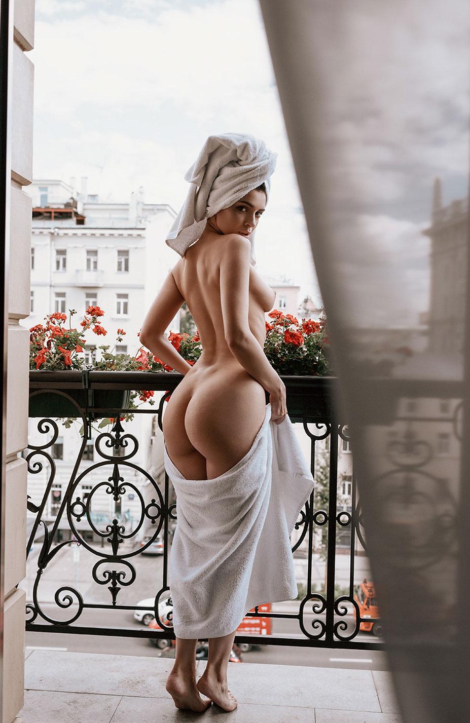 Сексуальная и почти голая Таня Фрост / фото 12
