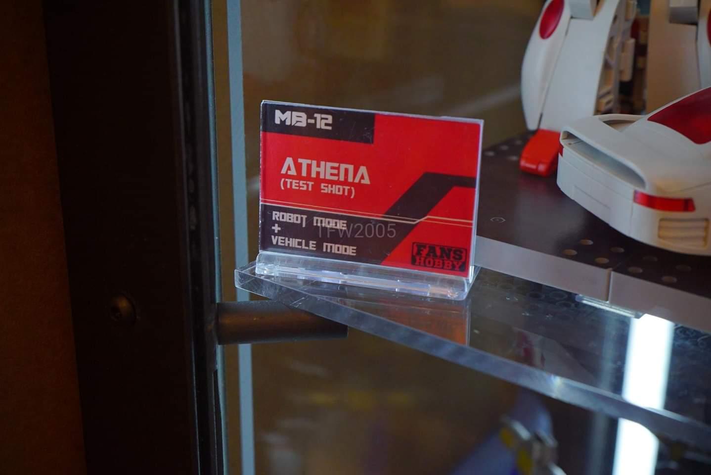 [FansHobby] Produit Tiers - MB-12 Athena (aka Minerva|Nightbeat/Veilleur) et MB-13 Ace Hitter (aka Goshooter|Siren/Sirène) [TF Masterforce] ATd4AJja_o