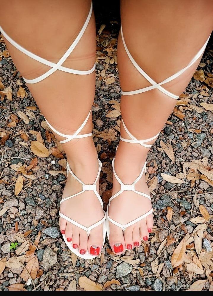 Brianna foot fetish-5419