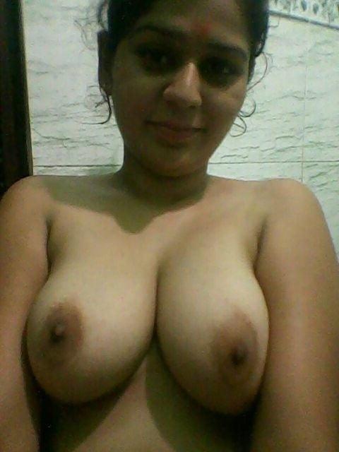 Teen girls topless selfies-2300