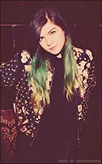Phoebe Ryan AxKFwqQp_o