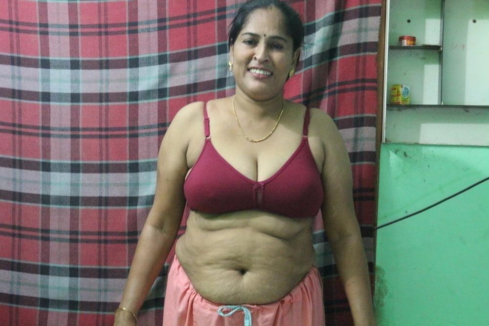 Reshma aunty nude-9739