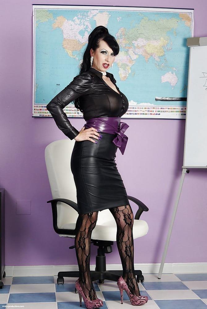 Genuine leather pencil skirt-5125