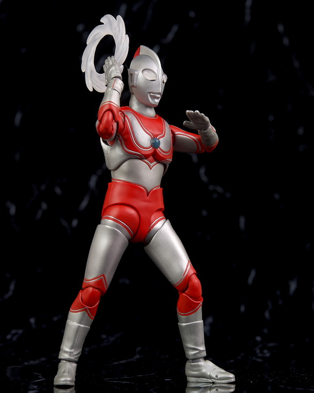 Ultraman (S.H. Figuarts / Bandai) - Page 5 GYTk9DtH_o