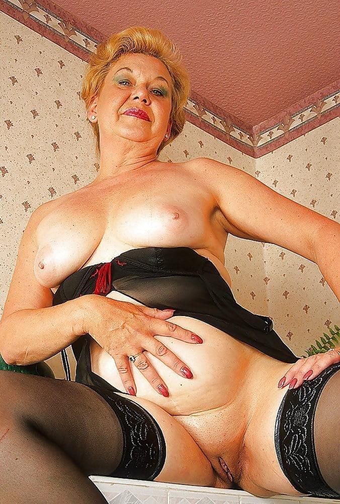 Mature women sex pics-7637